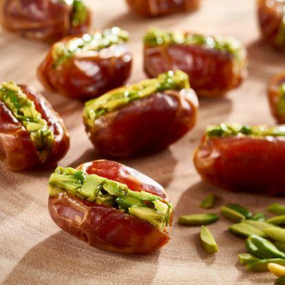 kholas with pistachio by bateel