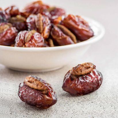 Wanan Dates with Salt and Vinegar Pecan